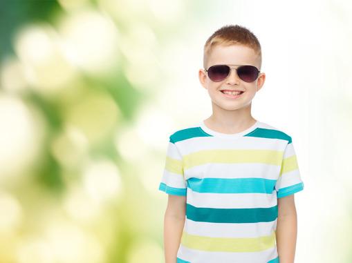 244ccb78c Detské slnečné okuliare sú bezpečné, vyrobené z odľahčeného materiálu a  svojím tvarom sa perfektne hodia k malej detskej tvári. Kvalitné slnečné  okuliare ...